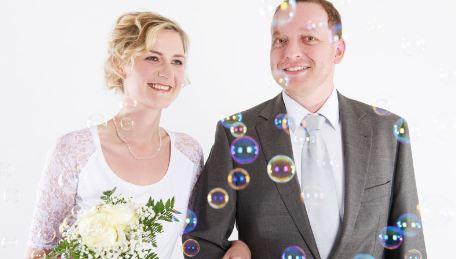 svatební foto s bublinami