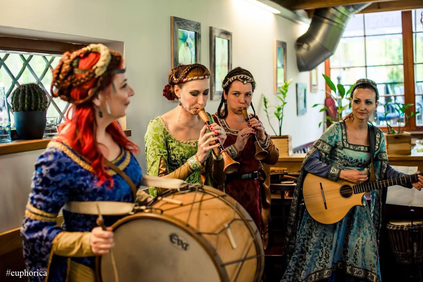 Netradiční středověká hudba na svatbu