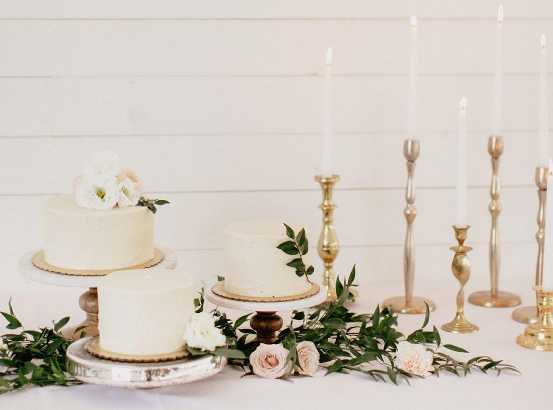 Svatební minimalistický dort