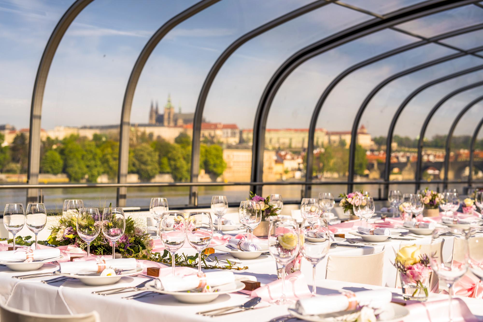 Místo na svatbu na lodi Praha Prague Boats